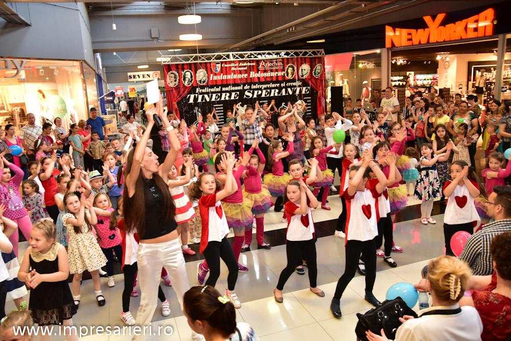 Spectacol Botosani Shopping Center - In lumea copilariei - Clubul Arlechin - 1 iunie 2016 (74 of 100)