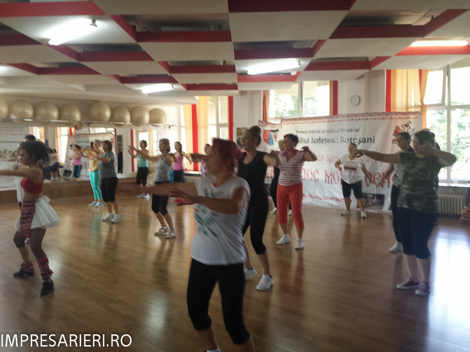 cursuri-worksop-uri-dans-si-muzica-populara-cant-si-joc-moldovenesc-2015-45-of-77
